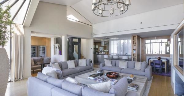 magnificent-private-mansion-for-sale-montmarte-unique-view-elevator-parking-cellar
