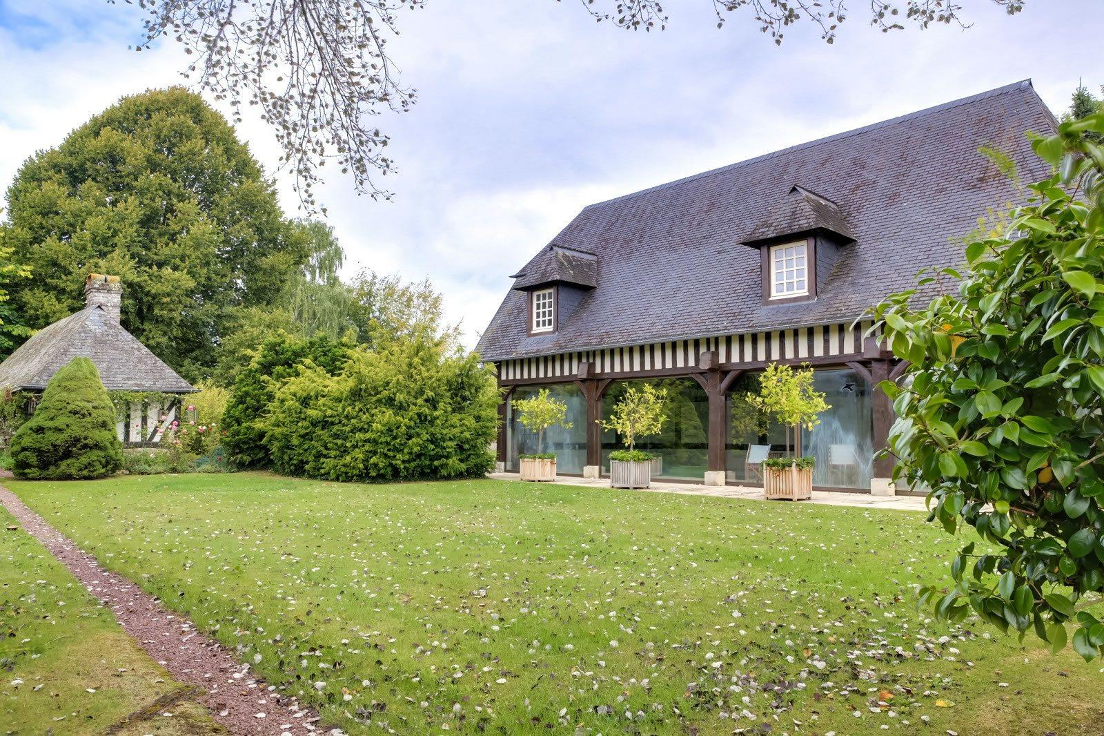 sublime-propriete-normande-a-vendre-pont-leveque-bureau-cave-piscine-spa-jardin-garages