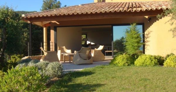 villa-exceptionnelle-a-vendre-rayol-canadel-cinema-sauna-piscine-vue-mer