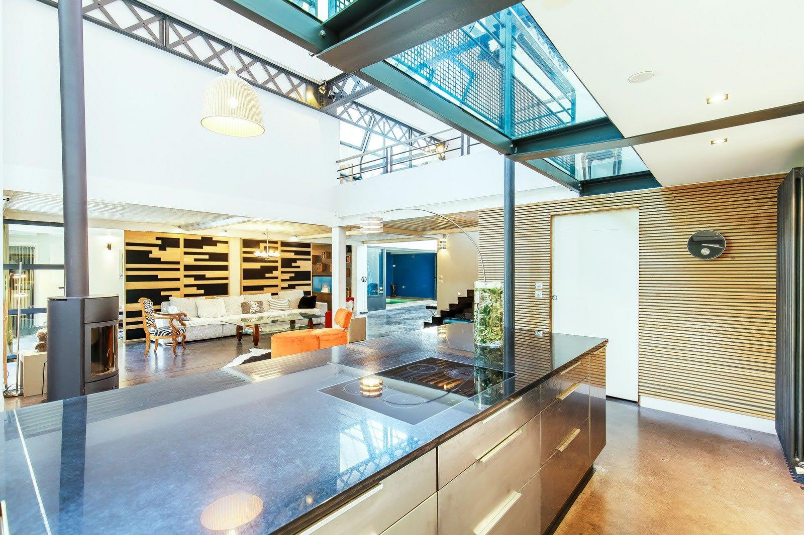 belle-maison-a-vendre-villa-amenagee-quartier-croix-rousse-piscine-atelier