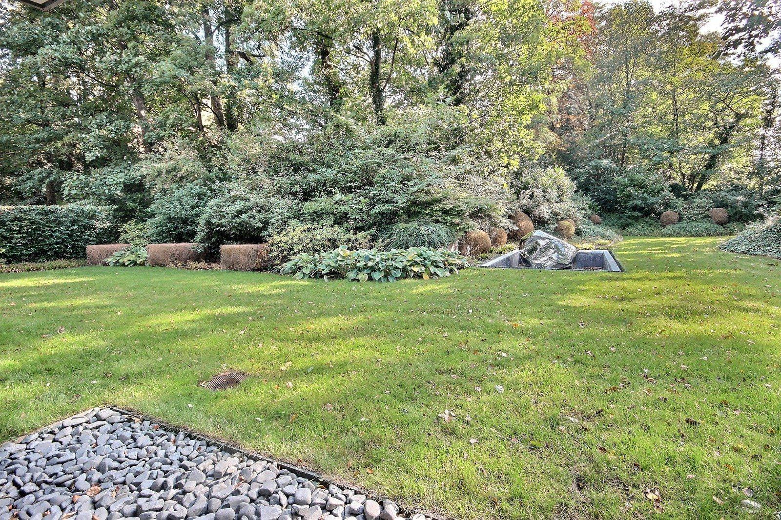 Rez de jardin de 300 m2 à vendre à Uccle, quartier de l\'observatoire ...