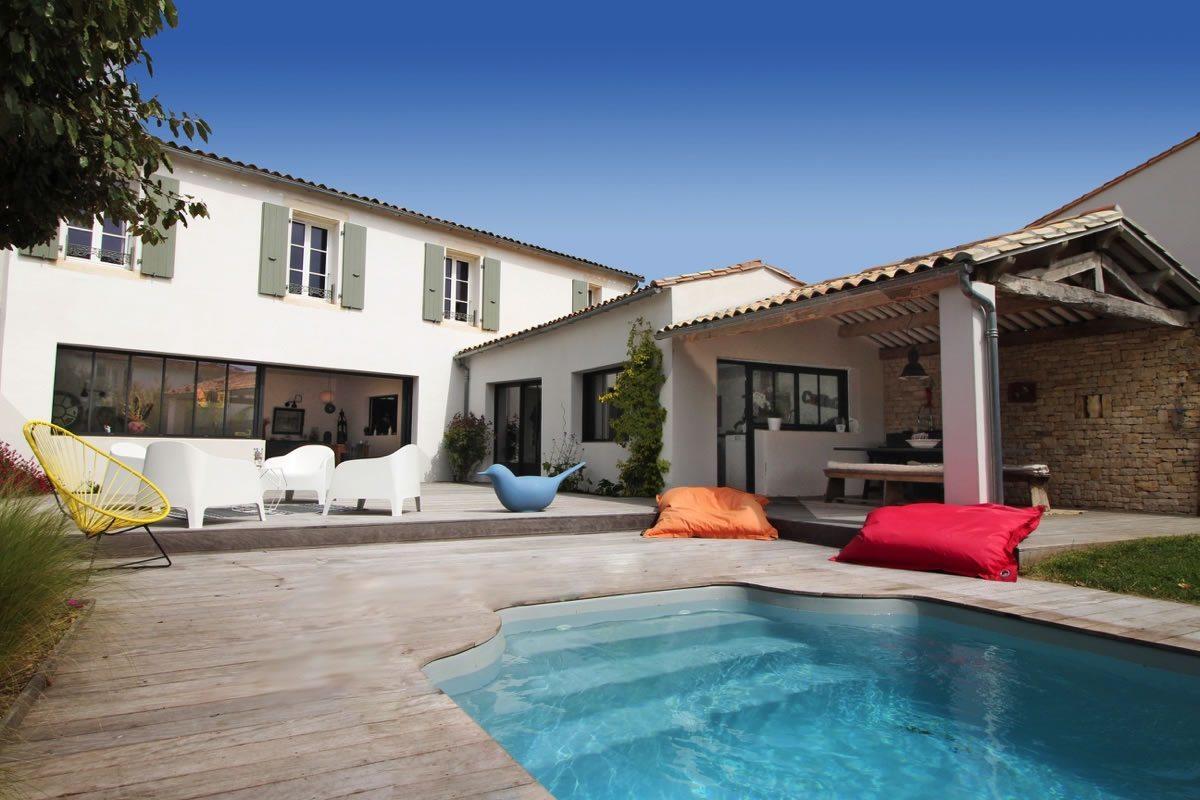 maison-recente-piscine-a-vendre-belle-cour-preau-terrasse-garage