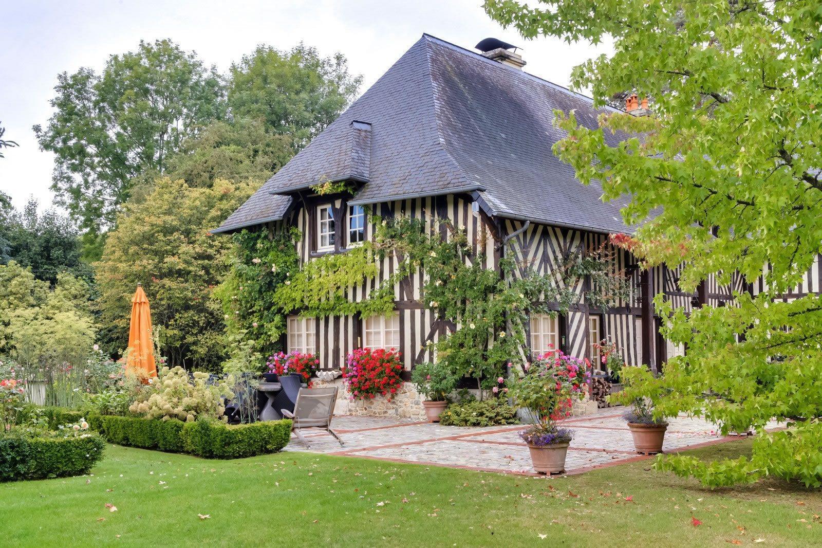 sublime-propriete-normande-a-vendre-pont-leveque-bureau-cave-pissublime-propriete-normande-a-vendre-pont-leveque-bureau-cave-piscine-spa-jardin-garagescine-spa-jardin-garages