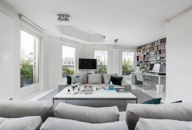 Sublime Duplex Aux Derniers Etages De La Rue Des Rosiers A Vendre