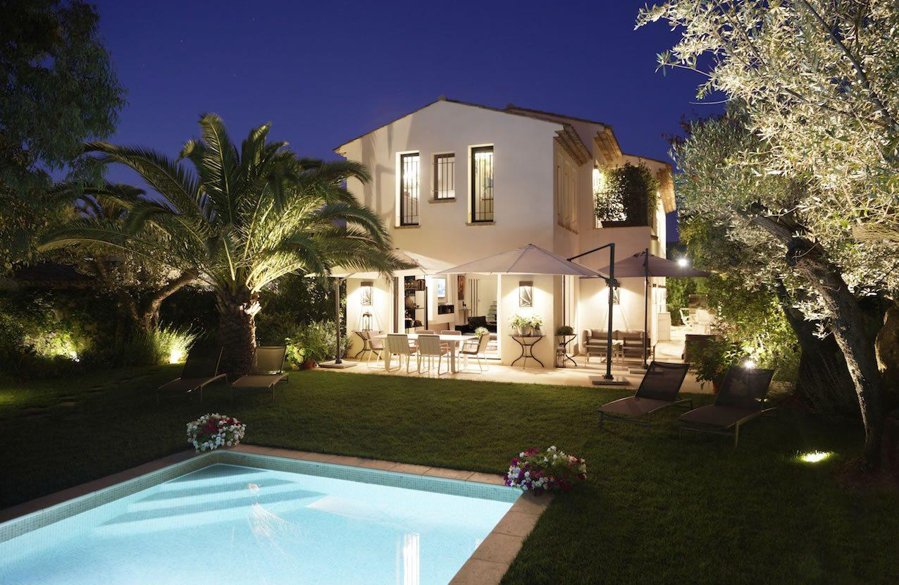 Beautiful 5-bedroom villa nestled in the heart of the St. Tropez\'s ...