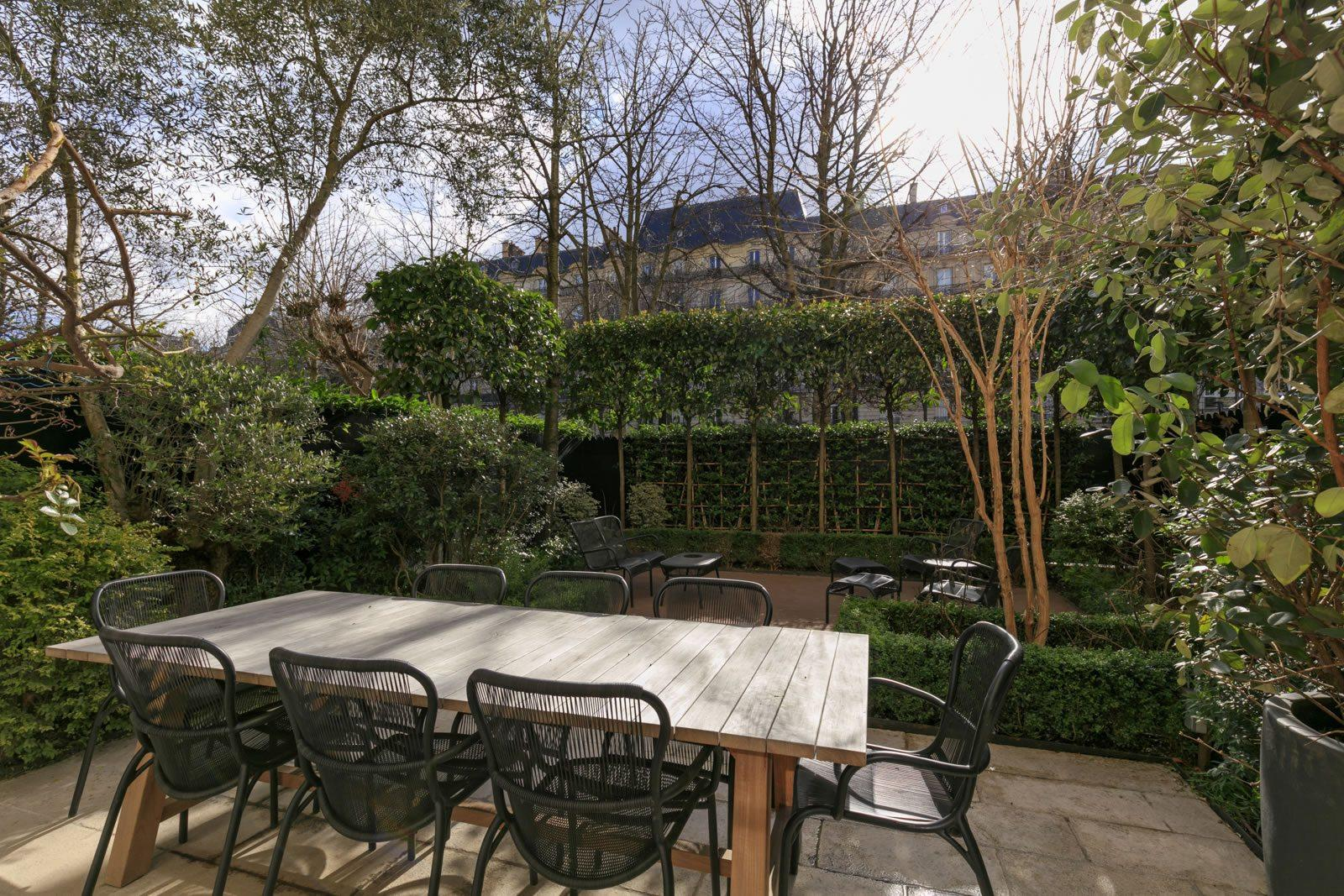 appartement-exceptionnel-a-vendre-jardin-paappartement-exceptionnel-a-vendre-jardin-paysager-amenageysager-amenage
