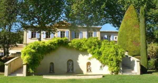 magnificent-bastide-estate-for-sale-indoor-pool-hammam-gym-cellar