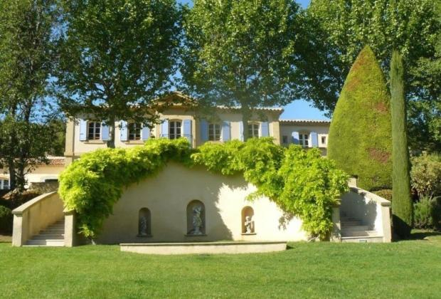 magnifique bastide sur domaine de 5 hectares avec vue. Black Bedroom Furniture Sets. Home Design Ideas