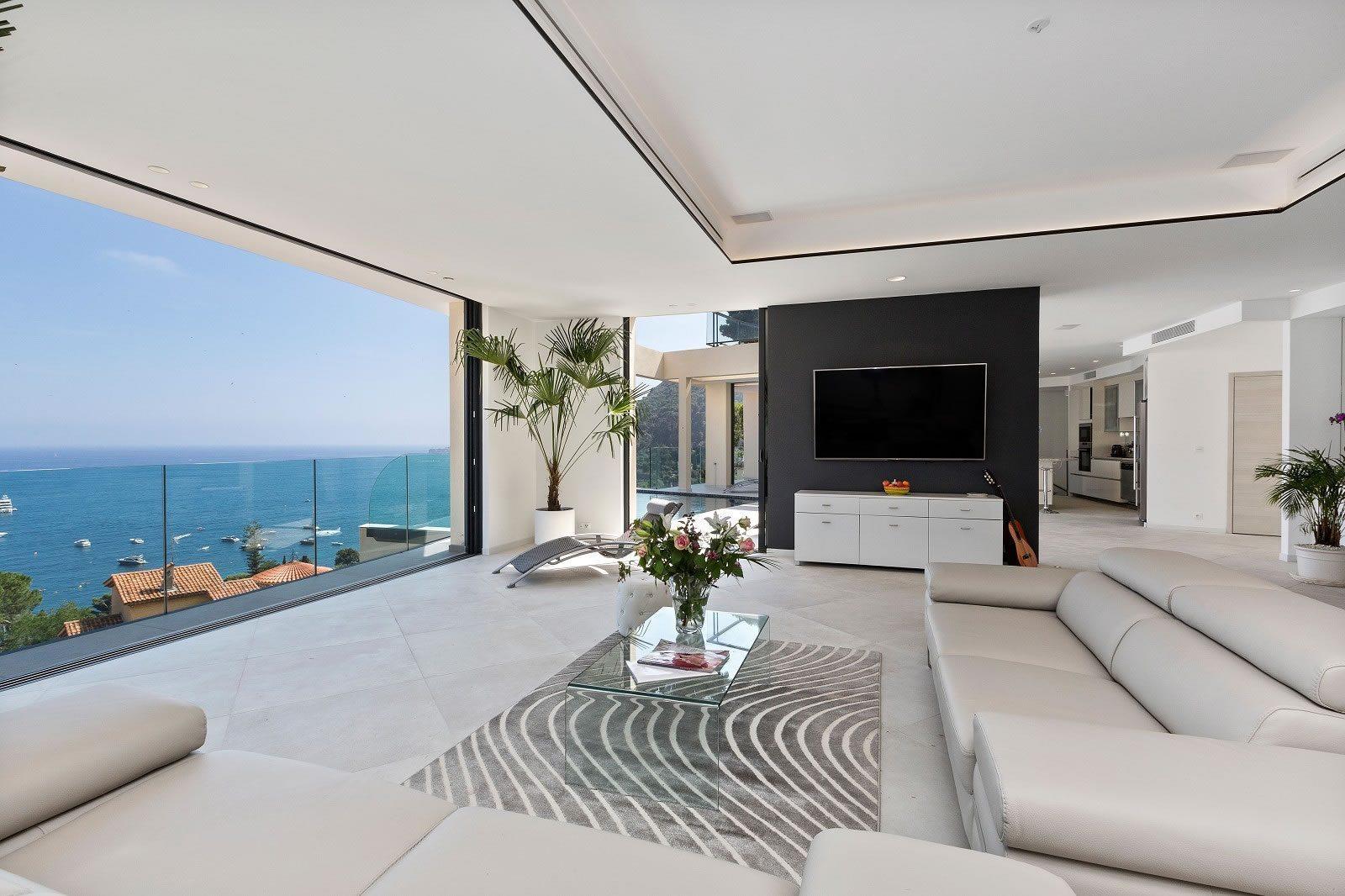 villa-grand-luxe-piscine-sublime-vue-mer-a-louer-eze-terrasse