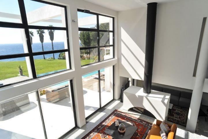 somptueuse-villa-front-mer-piscine-saint-cyr-sur-mer-a-vendre-terrasses-hammam