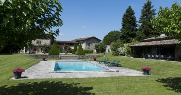 old-hunting-lodge-pool-tennis-court-for-sale-perouges-woody-land-pool-house-panoramic-view
