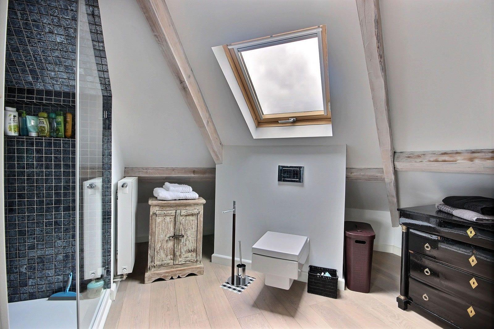 superbe-villa-renovee-rhode-saint-genese-jardin-terrasse-cave-sauna