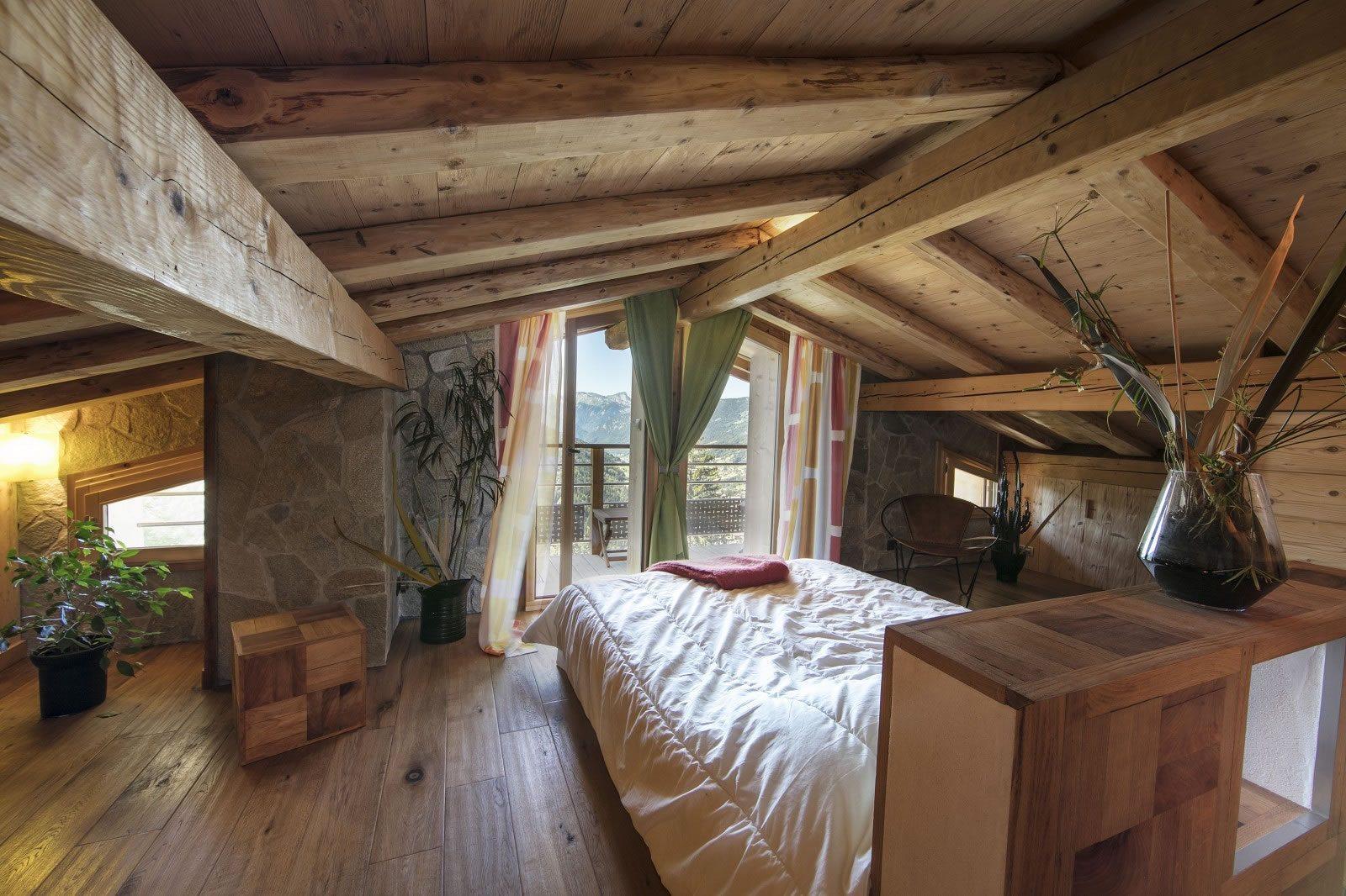 magnifique chalet de 300 m2 divis en 3 appartements vendre dans la vall e des aravis annecy. Black Bedroom Furniture Sets. Home Design Ideas