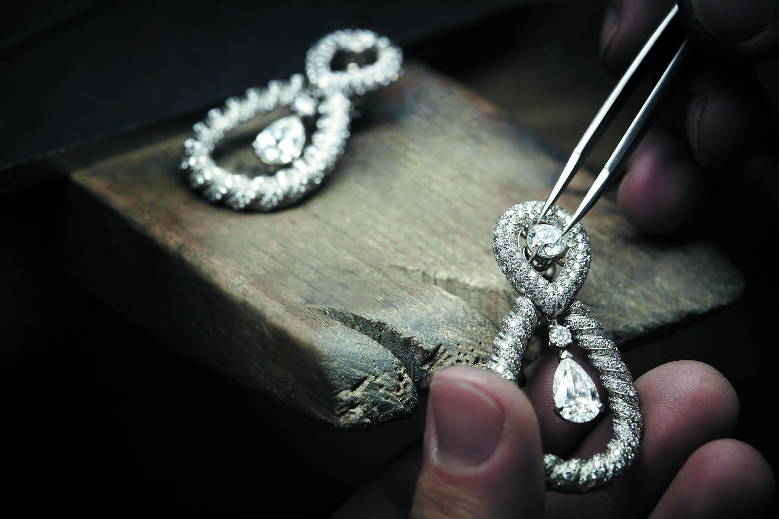 chanel-jewelry-atelier-fine-jewelry-audacious-collection-parischanel-jewelry-atelier-fine-jewelry-audacious-collection-paris