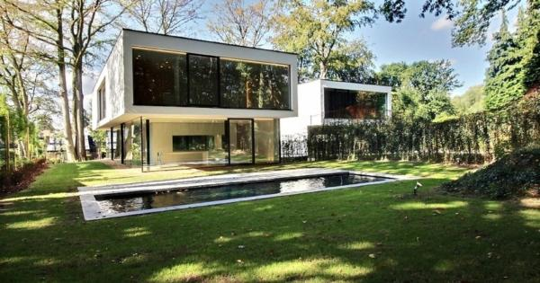 contemporary-villa-pool-for-sale-uccle-office-laundry-room-wine-cellar