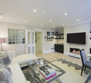 appartement-luxe-renove-meuble-a-louer-chelsea-immeuble-prestigieux-design-interieur-jardin-patio-parking-souterrain