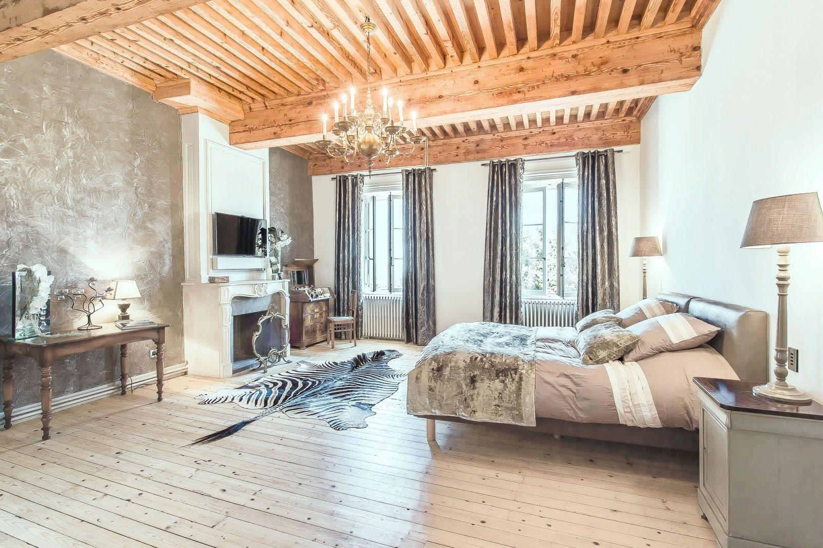 sublime-furnished-mansion-for-sale-vernaison-south-west-lyonnais-terraces-parc-pond-orchard-double-garage