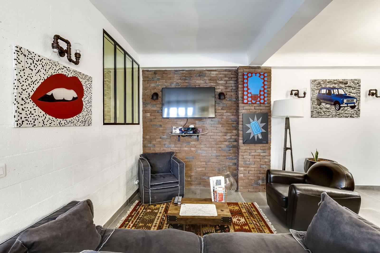 appartement de 2 chambres dans le quartier anim de montorgueil vendre le marais paris 2. Black Bedroom Furniture Sets. Home Design Ideas