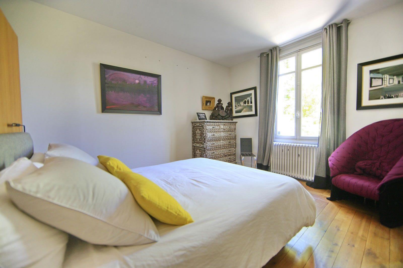 maison-style-arcachonnaise-a-vendre-parc-bordelais-jardin-paysager-veranda-cave