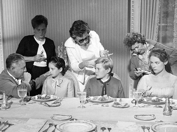 dinnertable-restaurant-east-village-refined-plates-trendy-address