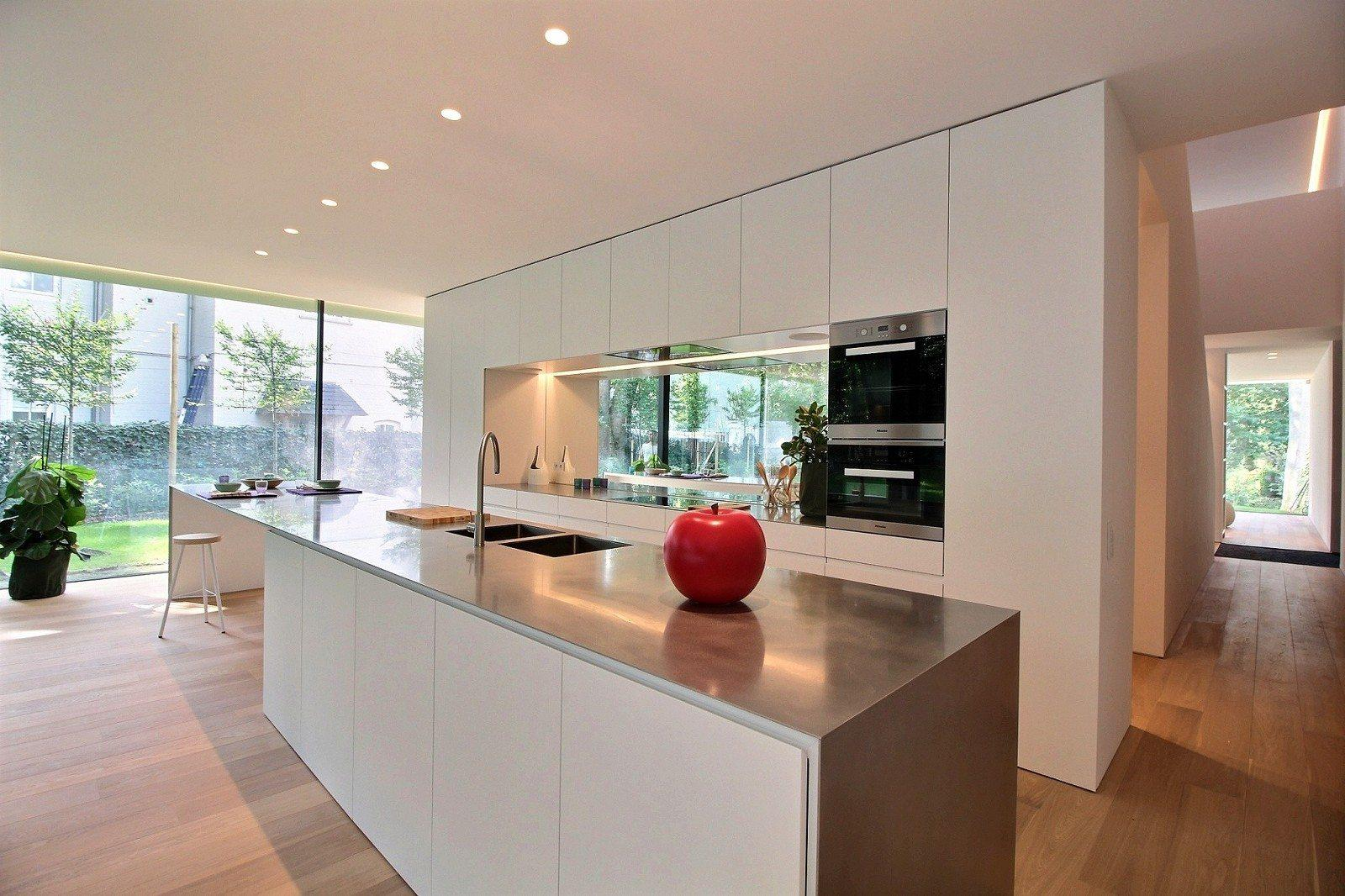 Contemporary Glass Kitchen Tables