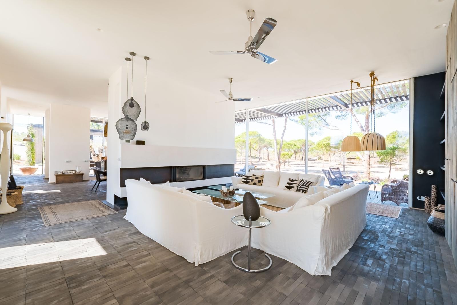 villas-luxe-a-vendre-costa-azul-dernieres-technologies-confort-propriete-haut-de-gamme