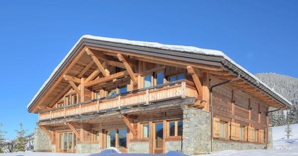 magnificent-luxury-chalets-for-sale-slopes-fireplaces-swimming-pool-sauna-jacuzzi