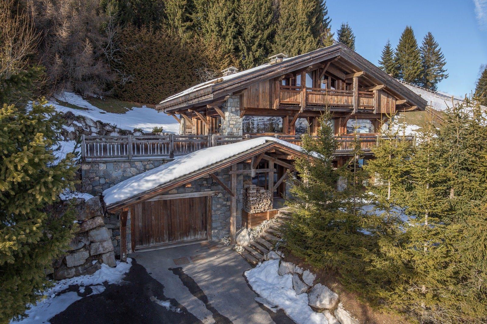 chalet-exception-a-vendre-vue-magnifique-mont-blanc-cheminee-spa-hammam-terrasse