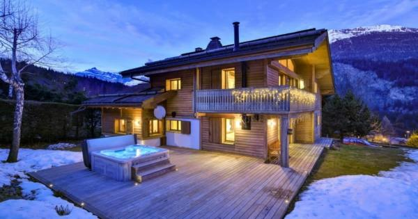 renovated-chalet-independent-apartment-for-sale-area-les-chavants-les-houches-terrace-double-garage