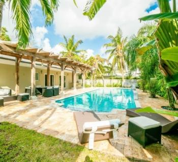 maison-exception-renovee-communaute-privee-a-vendre-bay-point-veranda-gym-piscine-chauffee-garage