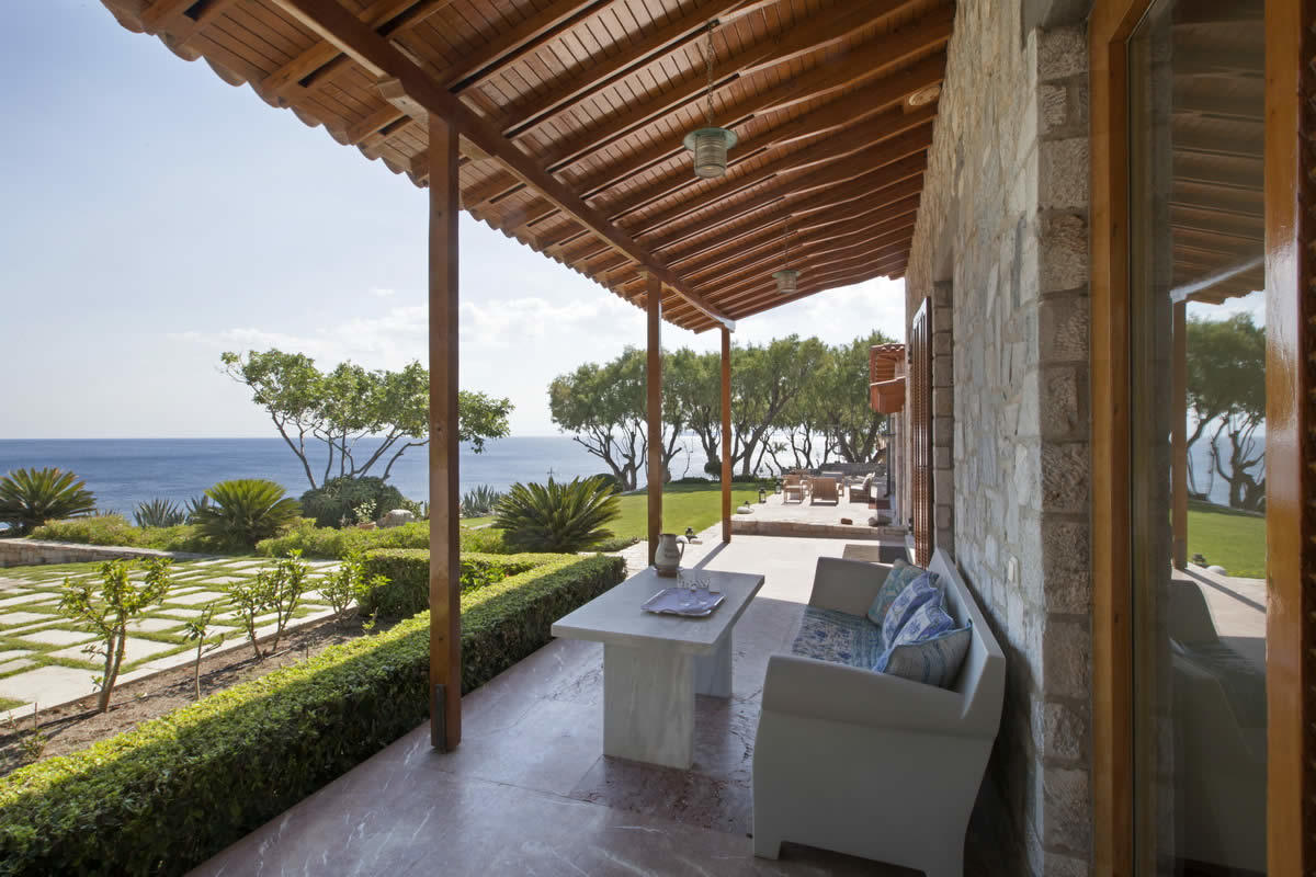 extraordinary-property-private-beach-view-saronic-golf-for-sale-lagonisi-jacuzzi-hammam