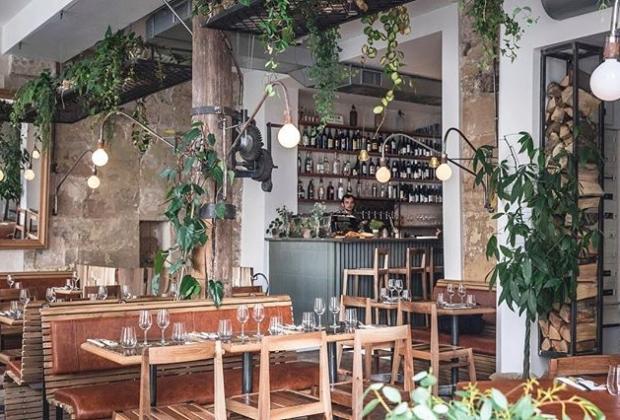carbon-restaurant-authentique-cuisine-ancestrale-produits-terre-mer-saveurs-internationales