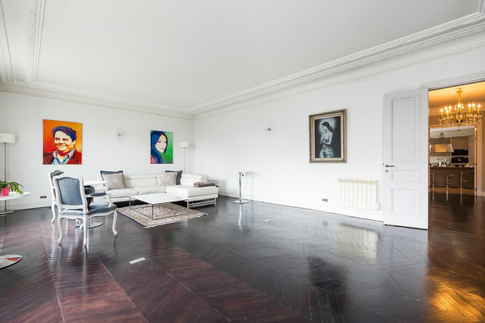 appartement-duplex-a-vendre-saint-philippe-du-roule-8eme-arrondissement-vue-degagee-balcon-filant-cave