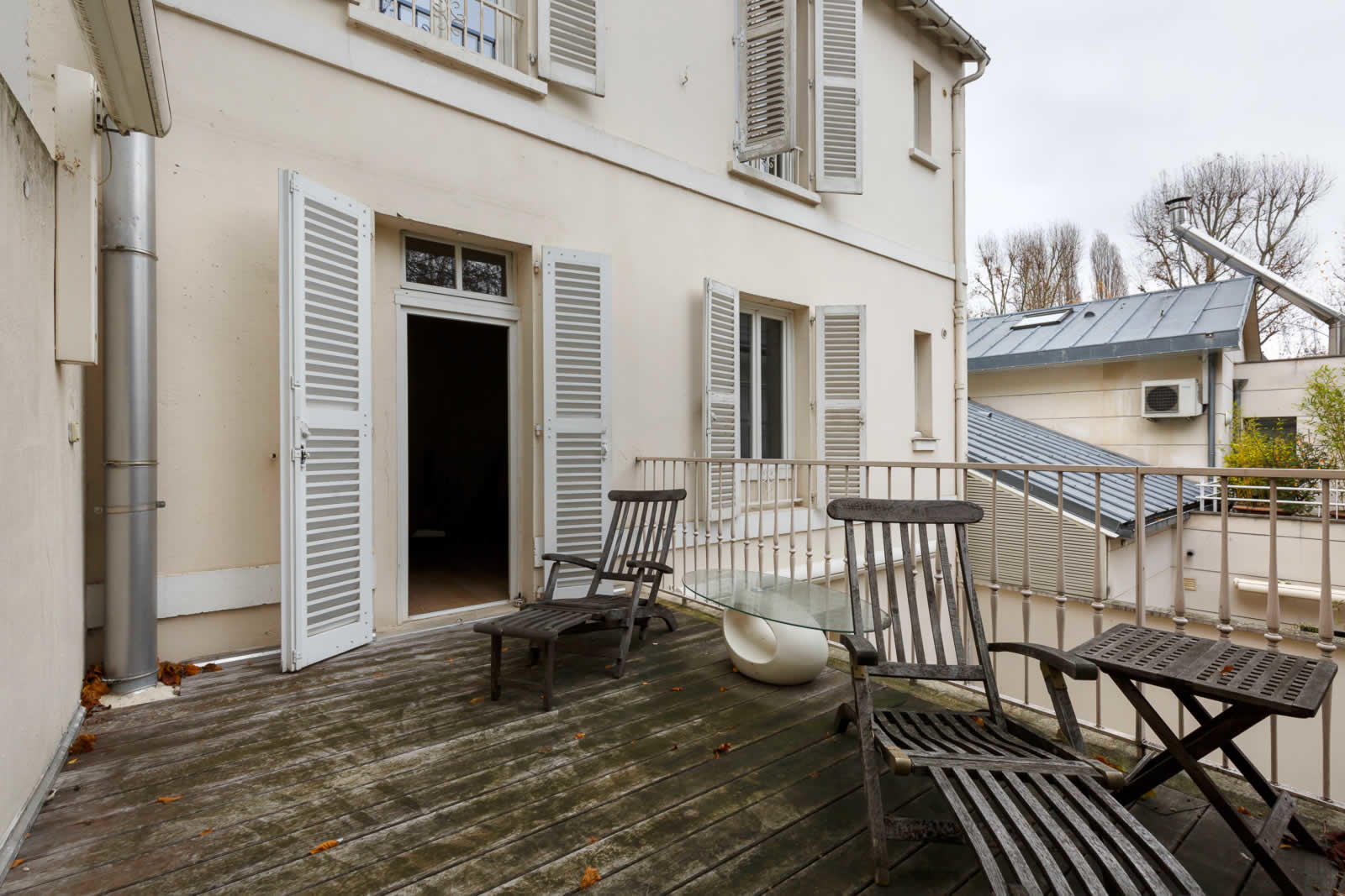 confortable-maison-19eme-siecle-a-vendre-ile-de-la-jatte-terrasses-cave-buanderie