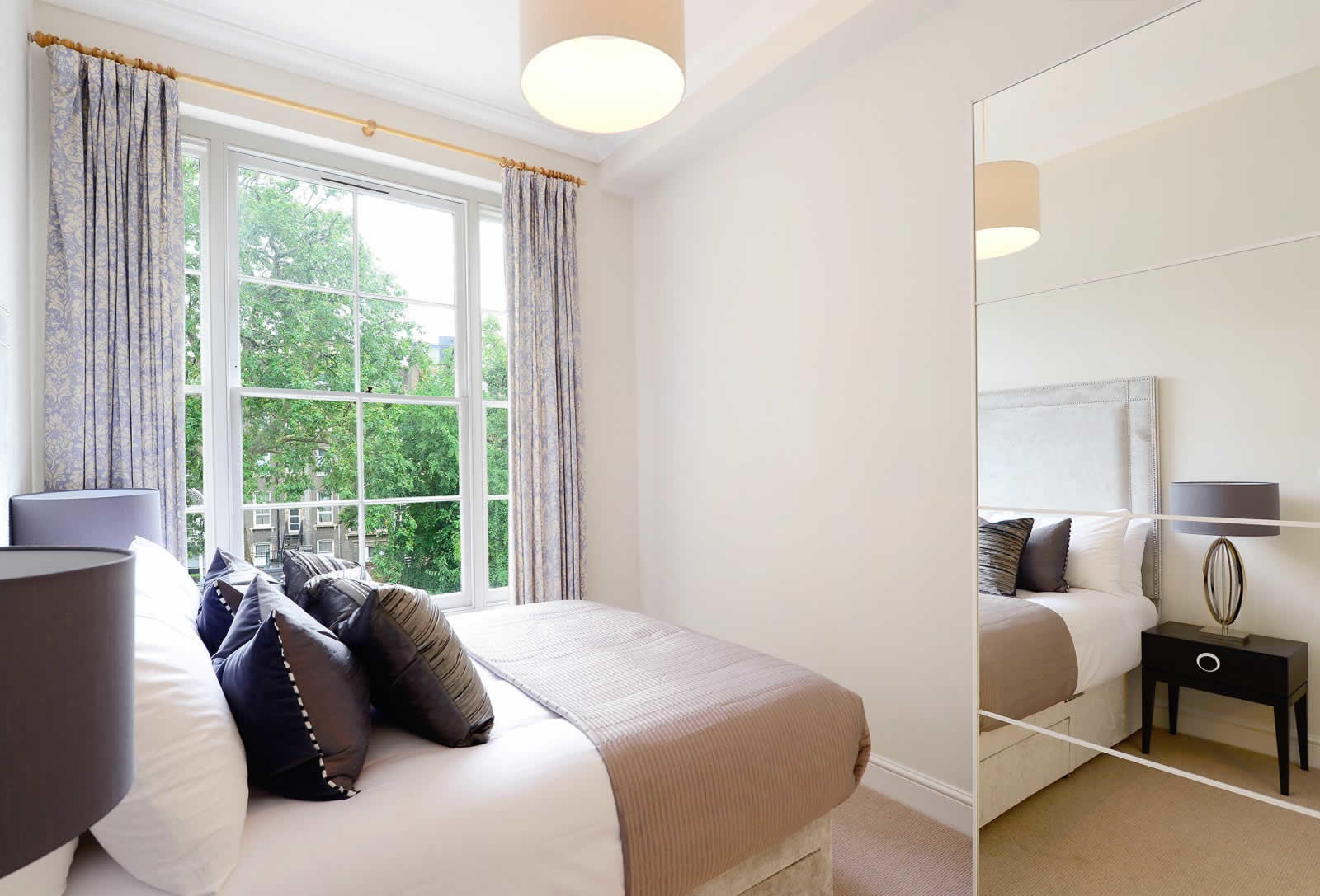 Beautiful 2 Bedroom Apartment For Rent In Kensington London