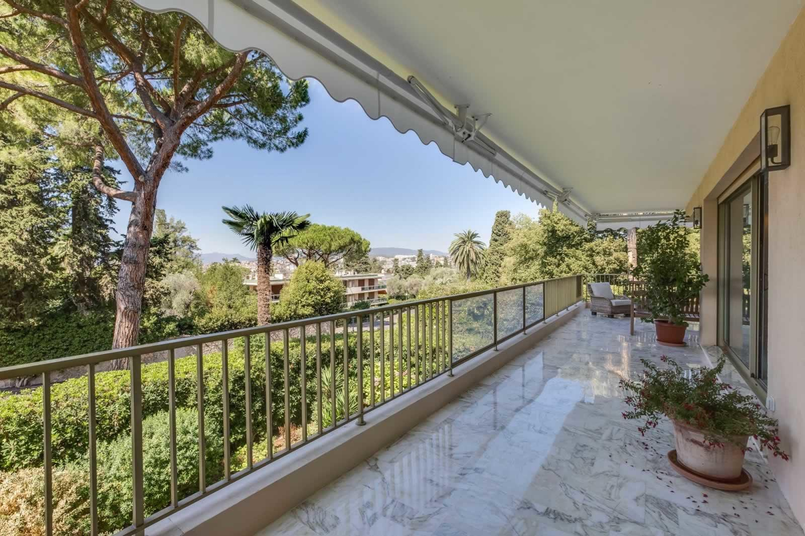 tres-bel-appartement-a-vendre-quartier-residentiel-parc-fiorentina-grand-standing-securisee-terrasse-garage-cave
