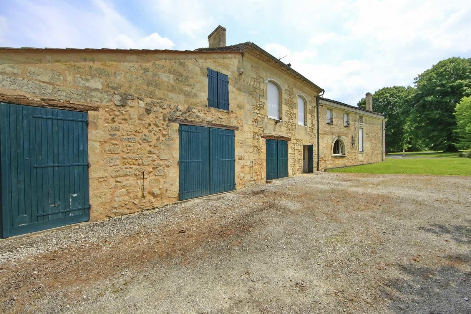 maison-pierre-a-vendre-fargues-saint-hilaire-parc-dependances-travaux
