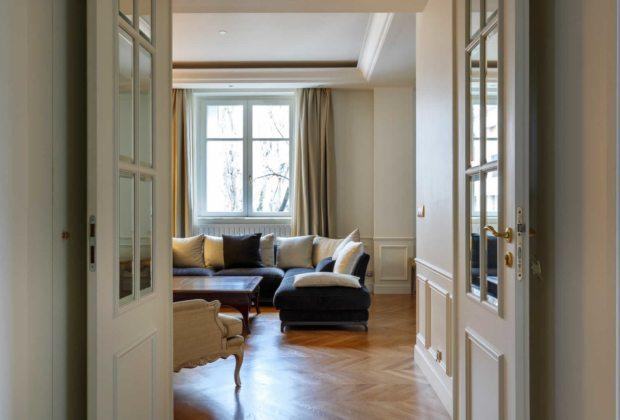Refined Large Family Apartment For Elegant Building