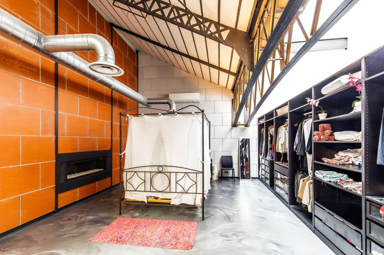 Incredible Loft For Sale on the Banks of the Rhône in Lyon 7 : 6 ...