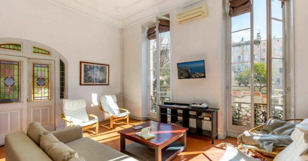 beautiful-bourgeois-apartment-hotel-particuler-for-sale-marseille-unobstructed-view-cellar-old-port