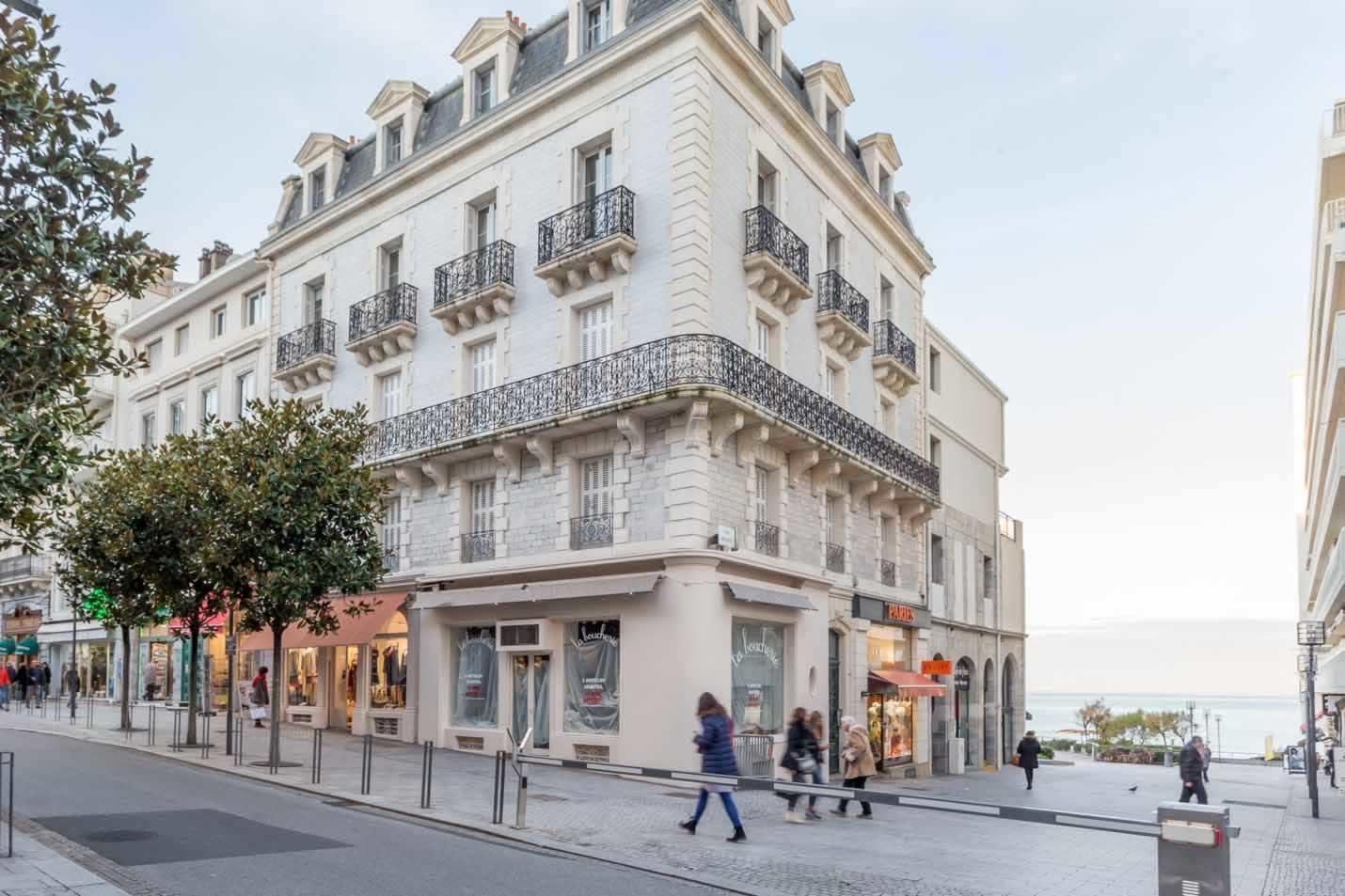 magnifique-appartement-renove-a-vendre-biarritz-balcon-parquet-caves