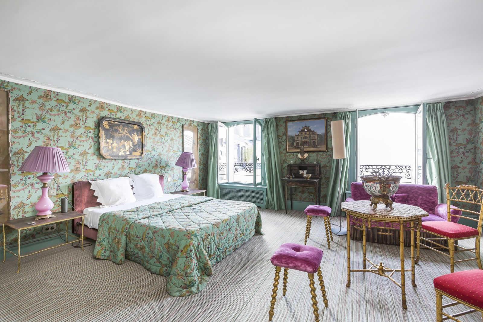 appartement-exceptionnel-a-vendre-vue-exceptionnelle-palais-bourbon-sacre-coeur-double-box-cave-cour