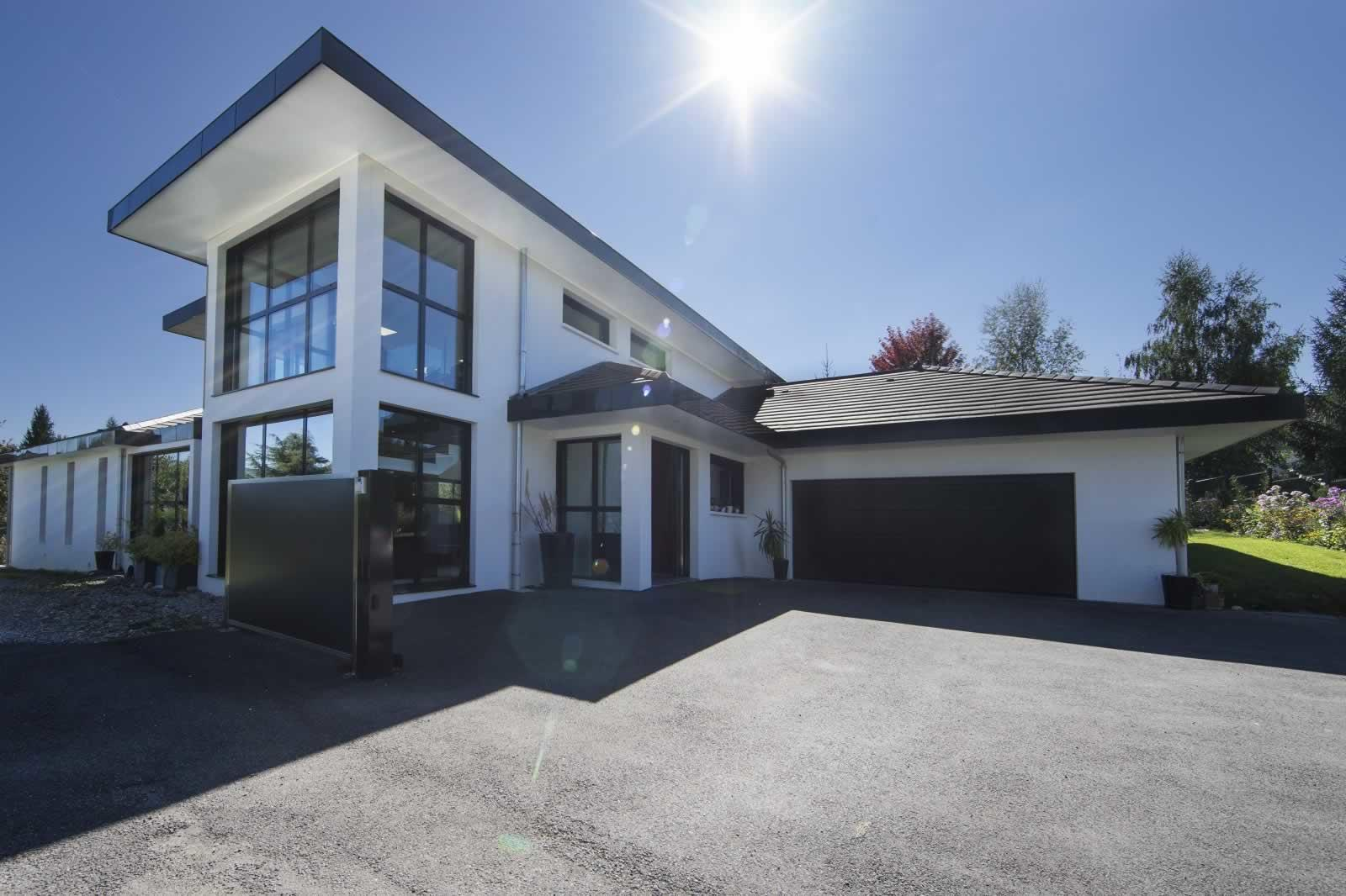 maison-architecte-a-vendre-cuvat-salle-de-sport-jardin-piscine-terrasse