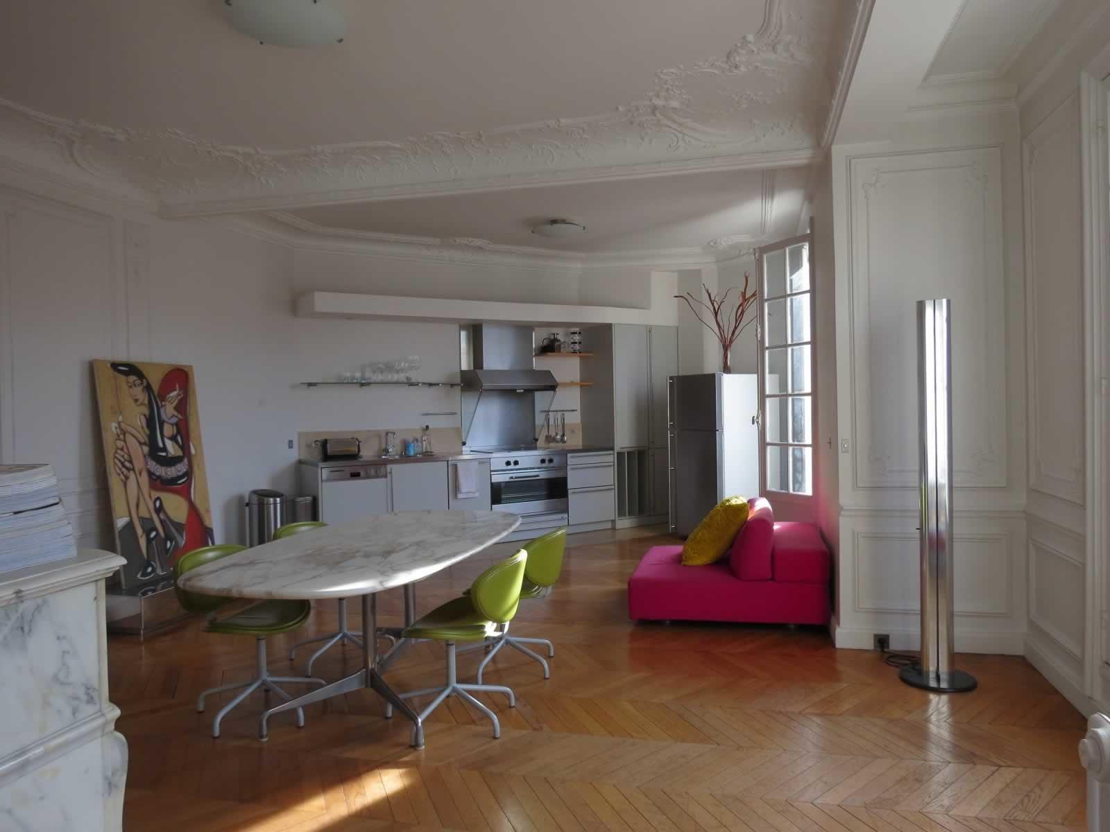 bel-appartement-a-vendre-quartier-miromesnil-monceau-cheminee-moulure-parquet-cave