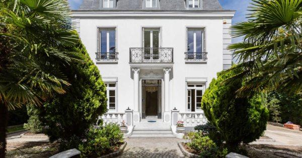 beautiful-hotel-particulier-private-mansion-for-sale-varenne-saint-hilaire-landscaped-garden-veranda-terrace-sauna-hammam