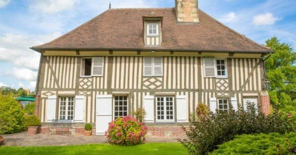 belle-maison-normande-a-vendre-pont-leveque-piscine-couverte-chauffee-cheminee