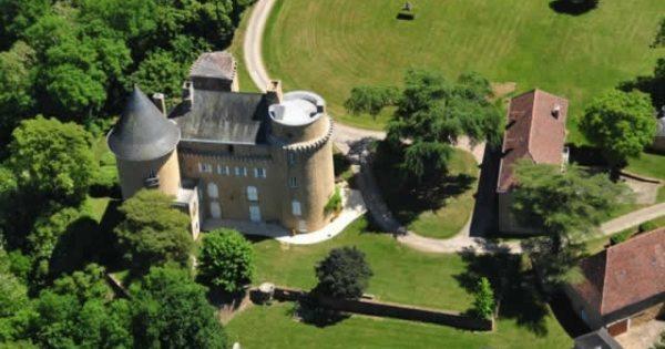 château-blanat-land-near-martel-old-stables-barns-garages