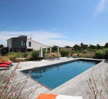 exceptionnelle-maison-a-vendre-portes-en-re-cheminee-piscine-terrasses-garage