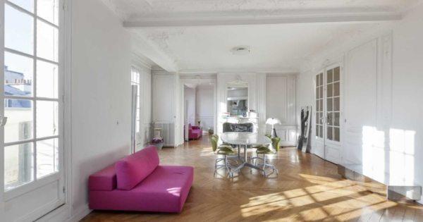 beautiful-apartment-for-sale-miromesnil-monceau-district-fireplace-moulding-parquet-floors-cellar