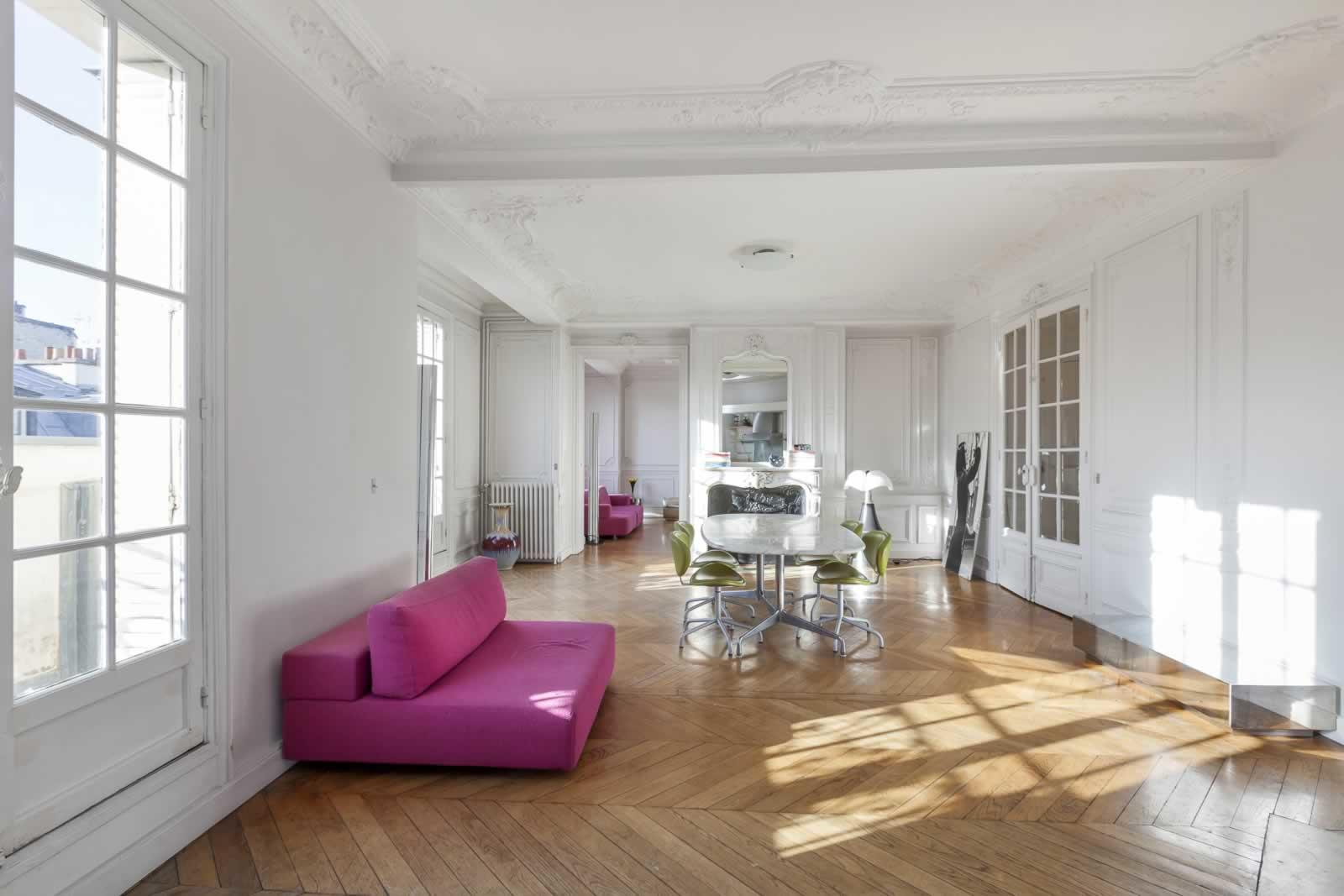 beautiful-apartment-for-sale-miromesnil-monceau-district-fireplace-moulding-parquet-floors-cellar